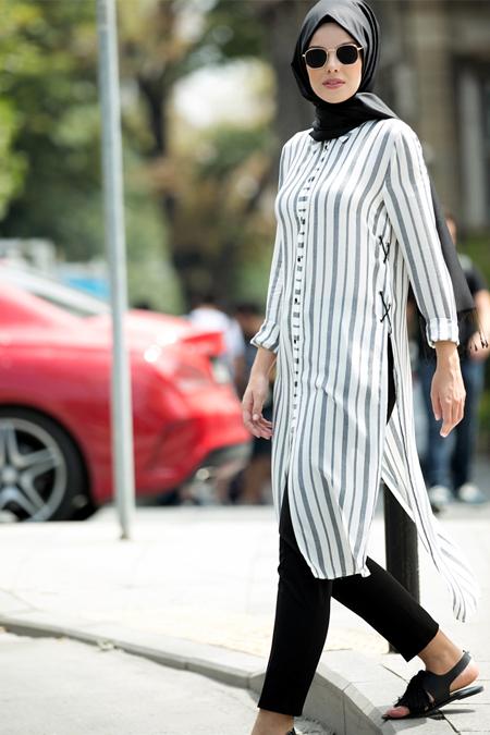 Refka Siyah Beyaz Doğal Kumaşlı Yanları Bağcık Detaylı Tunik