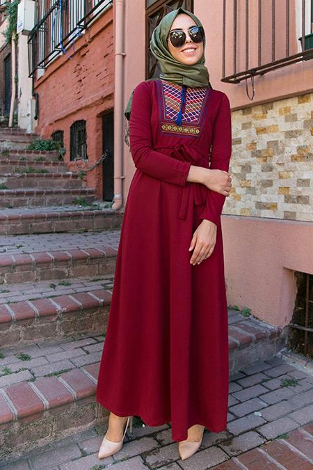 İnşirah Bordo Nakış Detaylı Elbise