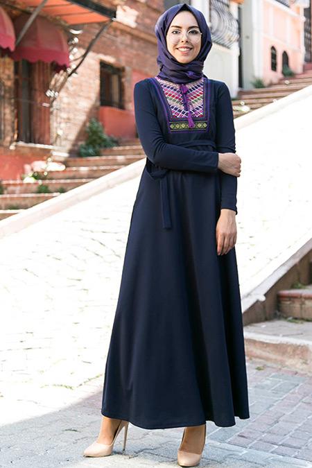 İnşirah Lacivert Nakış Detaylı Elbise