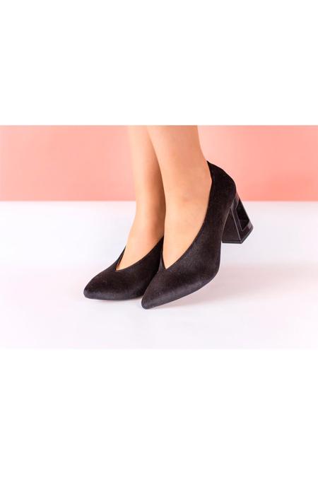 Marcatelli Siyah Kadife Topuklu Ayakkabı