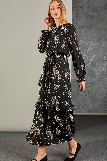 Vavist Siyah Belden Lastik Detaylı Elbise