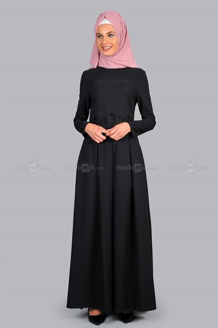 Aramiss Siyah Dantel Detaylı Elbise