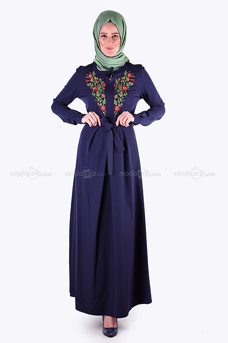 Aramiss Lacivert Çiçek Nakışlı Tesettür Elbise
