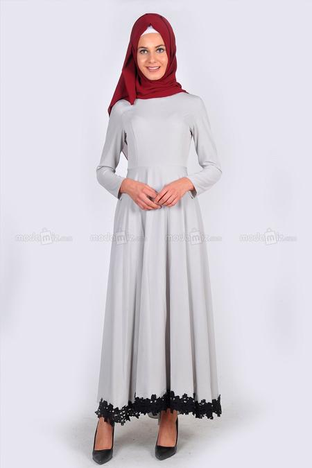 Enderon Gri Eteği Güpürlü Elbise