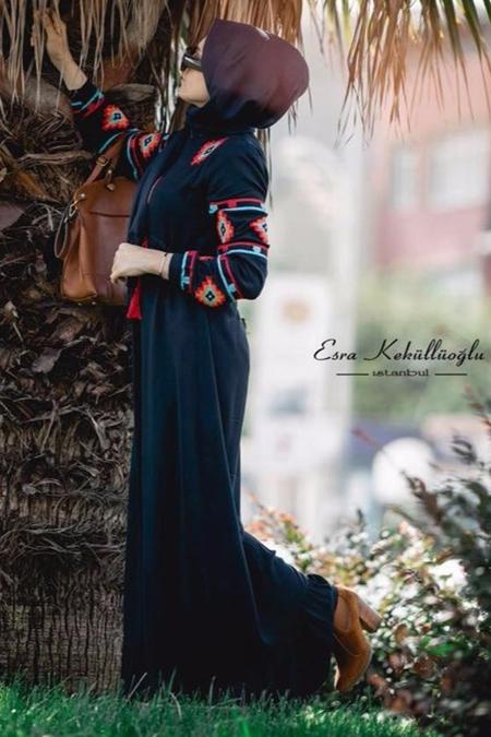 Esra Keküllüoğlu Kilim Desen Elbise