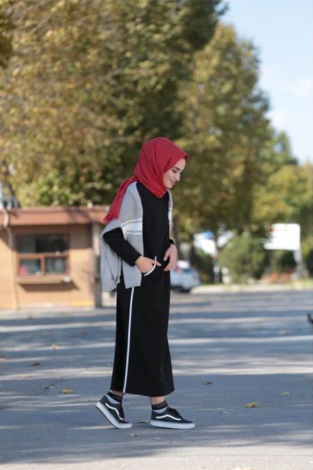 Kadriye Basturk Şerit Detaylı Basic Elbise