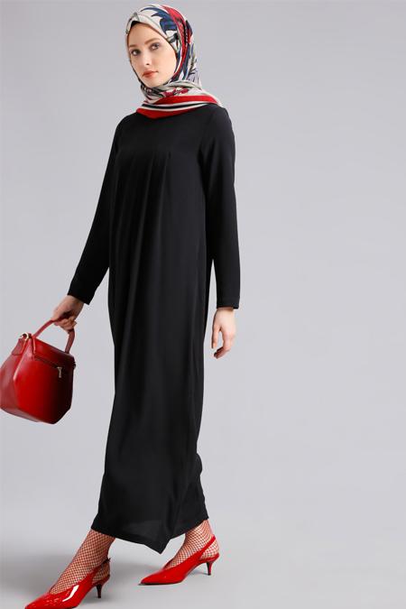 Refka Siyah Pileli Elbise