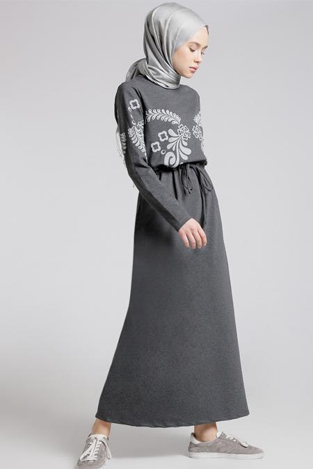 Benin Koyu Gri Beli Bağcıklı Elbise