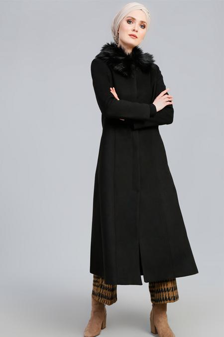Refka Siyah Kürk Yakalı Kaşe Manto