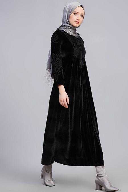 Refka Siyah Nakışlı Kadife Elbise
