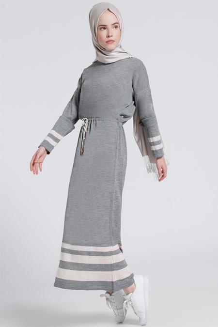 Benin Gri Pudra Beli Bağcıklı Triko Elbise