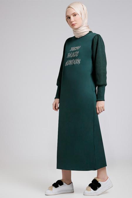 Benin Zümrüt Kolları Triko Nakışlı Elbise