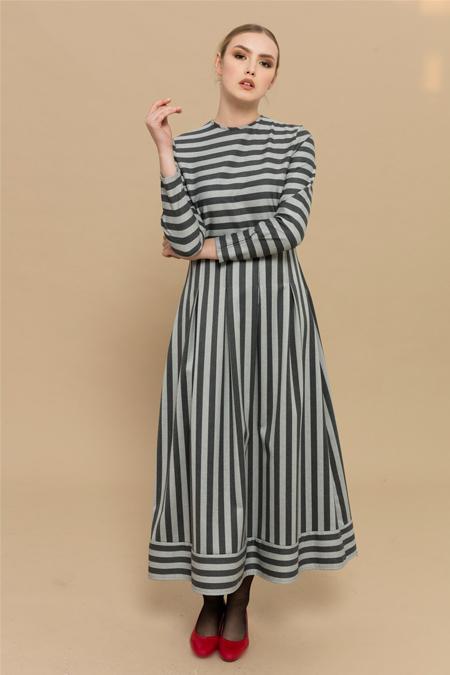 Merve Dağlı Gri Dumo Elbise