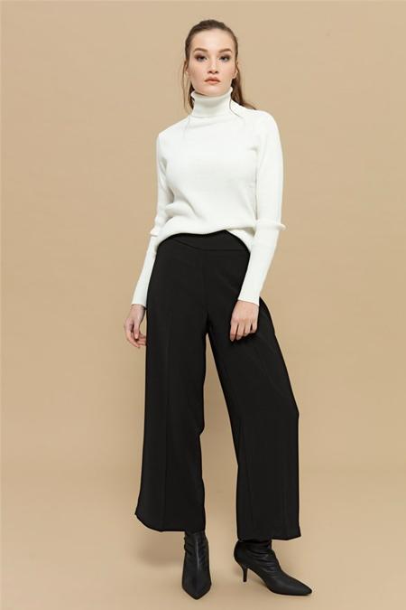 Merve Dağlı Siyah Bol Paça Pantolon