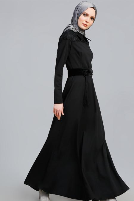 Refka Siyah Dantel Detaylı Elbise