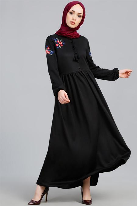 Refka Siyah Nakış Detaylı Elbise