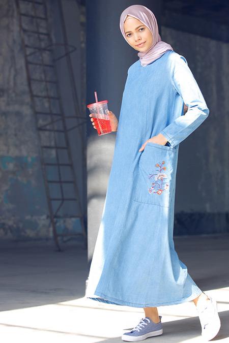 Benin Buz Mavisi Nakışlı Kot Elbise