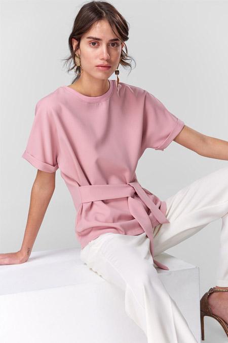 TRENDYOLMİLLA Pembe Bağlama Detaylı Örme Bluz