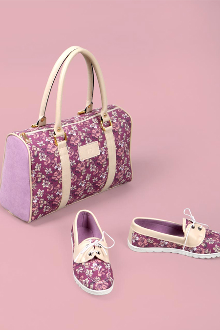 Çiçek Desenli Bej Kol Çantası ve Ayakkabı Set
