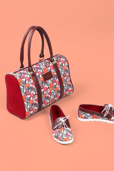 Çiçek Desenli Bordo Kol Çantası ve Ayakkabı Set