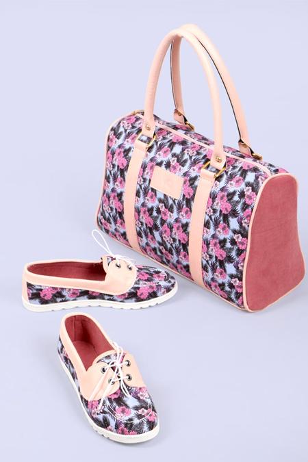 Çiçek Desenli Pudra Kol Çantası ve Ayakkabı Set