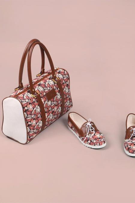 Çiçek Desenli Taba Kol Çantası ve Ayakkabı Set