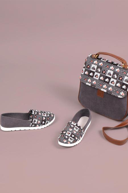 Kalp Kare Desenli Antrasit Çapraz Çanta ve Ayakkabı Set