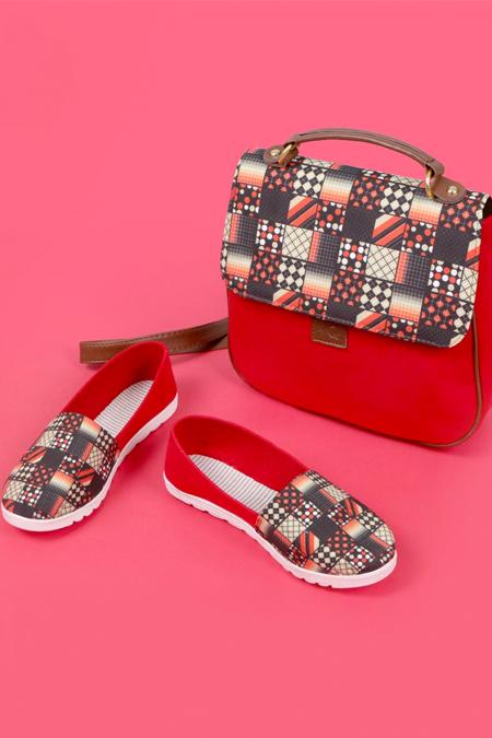 Puantiye Kare Desenli Kırmızı Çapraz Çanta ve Ayakkabı Set