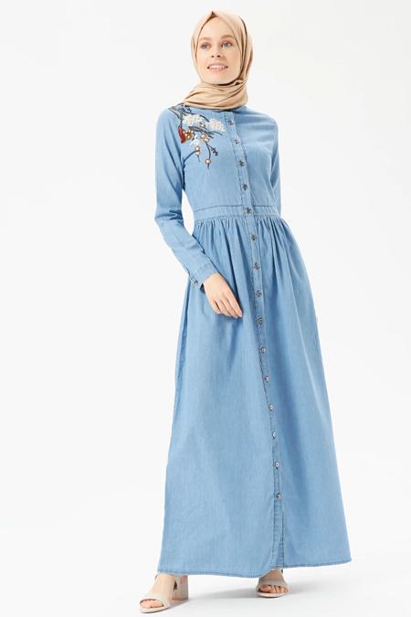 Benin Açık Mavi Doğal Kumaşlı Nakışlı Kot Elbise