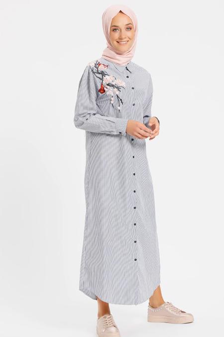 Benin Lacivert Doğal Kumaşlı Nakışlı Elbise