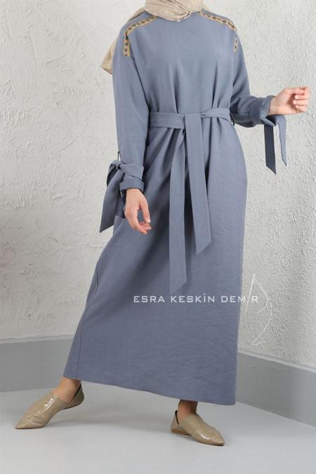 Esra Keskin Demir Mavi Şerit Detaylı Elbise