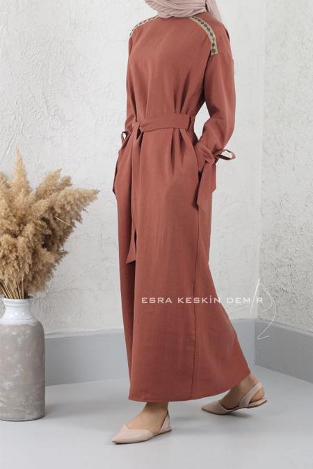 Esra Keskin Demir Tarçın Şerit Detaylı Elbise