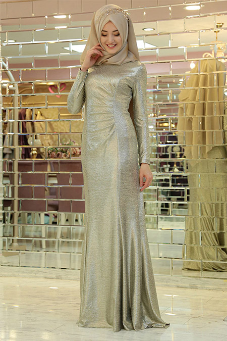 Gamze Özkul Gümüş Drape Balık Abiye Elbise