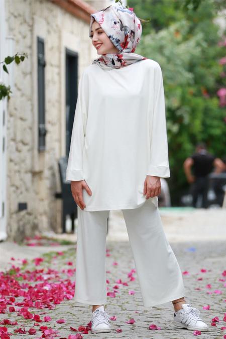 Gamze Özkul Ekru Basic Tunik & Pantolon İkili Takım
