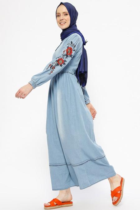 SUEM Mavi Nakışlı Kot Elbise