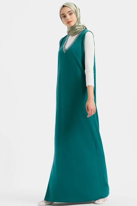 Benin Yeşil Doğal Kumaşlı Kolsuz V Yaka Elbise