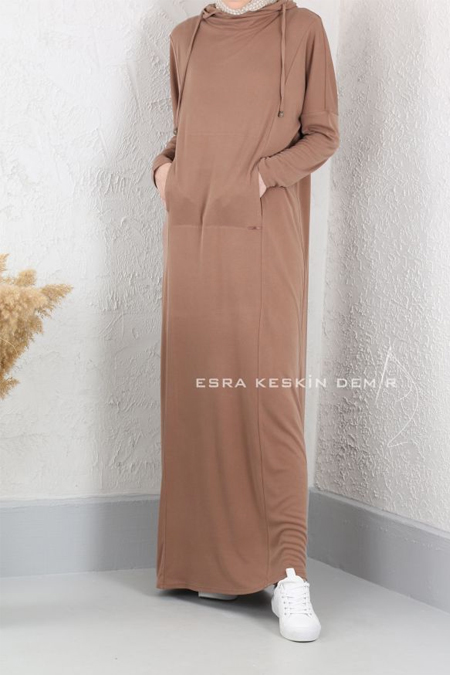 Esra Keskin Demir Süt Kahve Kapüşonlu Elbise
