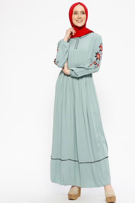 SUEM Mint Nakış Detaylı Elbise