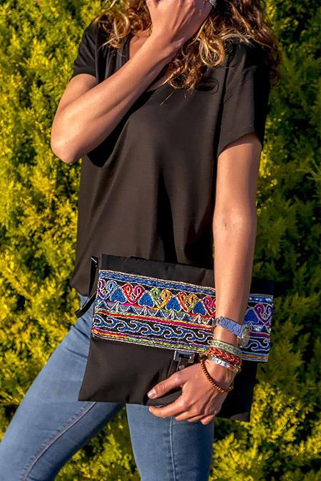 Trend Alaçatı Stili Kadın Siyah Şeritli Kapaklı Clutch