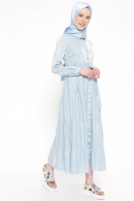 Beha Tesettür Mavi Kendinden Simli Boydan Düğmeli Elbise