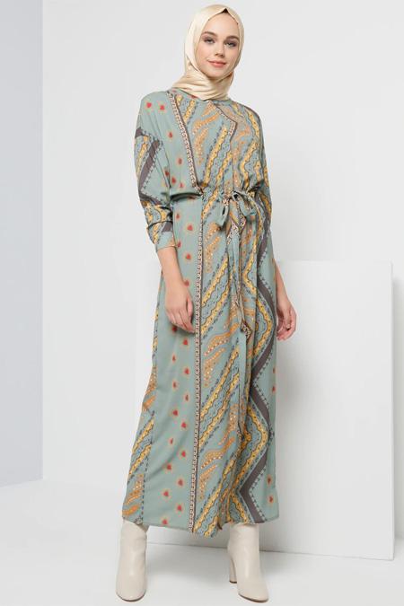 Benin Zeytin Yeşili Boydan Düğmeli Beli Bağcıklı Elbise