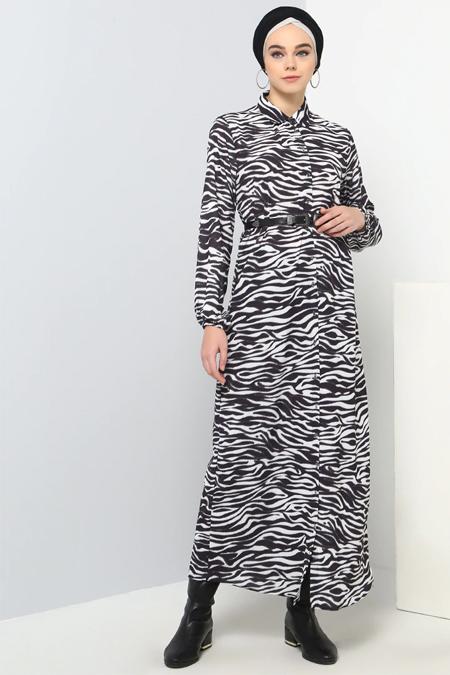 Benin Siyah Beyaz Boydan Düğmeli Desenli Elbise
