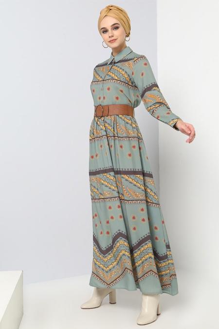 Benin Zeytin Yeşili Kemer Detaylı Desenli Elbise