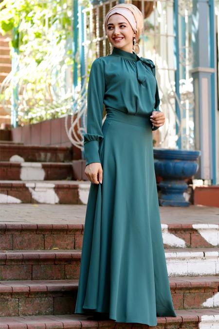 Gamze Özkul Petrol Fularlı Elbise