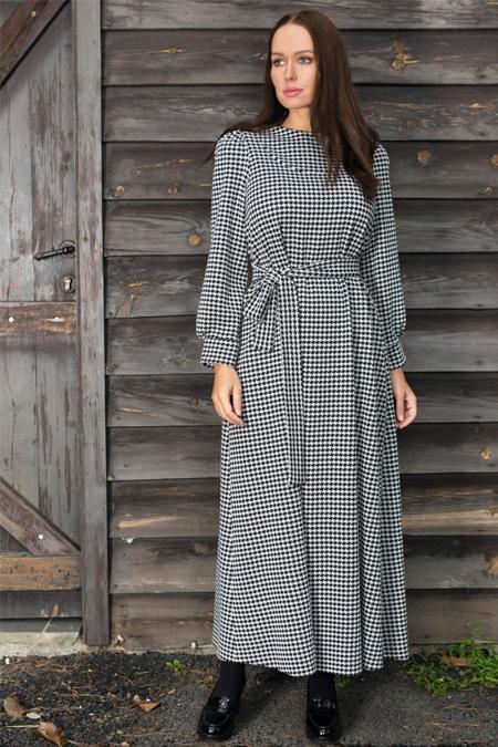 Ayşen Özen Siyah Kazayağı Desenli Elbise