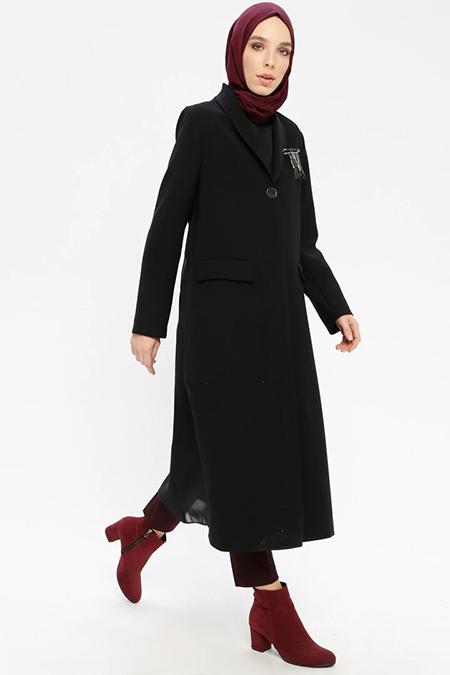 Armine Siyah Düğmeli Uzun Ceket