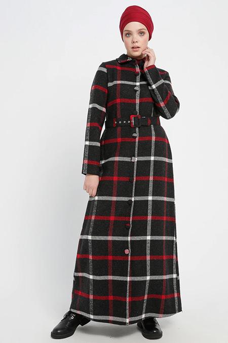 Beha Tesettür Siyah Boydan Düğmeli Ekoseli Elbise