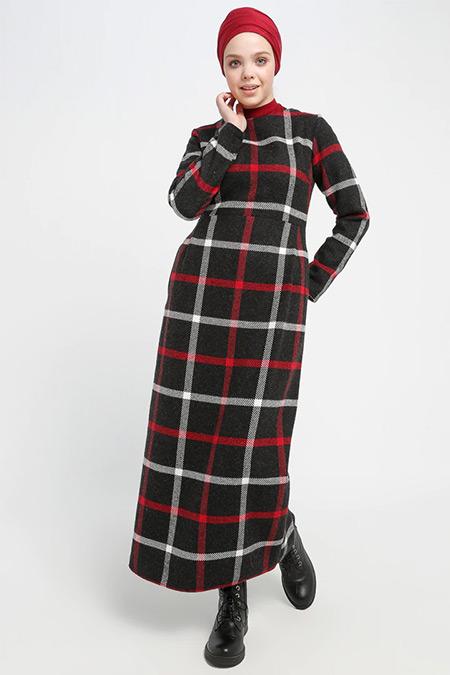 Beha Tesettür Siyah Ekoseli Elbise