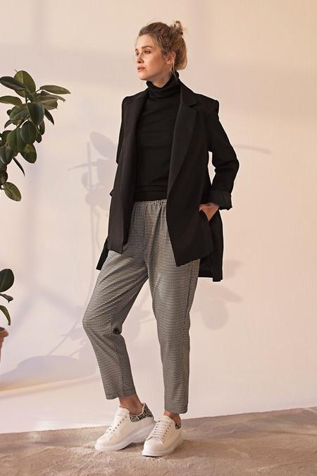 Merve Dağlı Siyah Magic Ceket