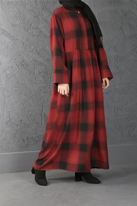 Esra Keskin Demir Kırmızı Büzgü Detaylı Kareli Elbise